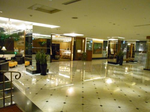 ホテルへチェックイン。<br />『リバービュータイペイ』<br />
