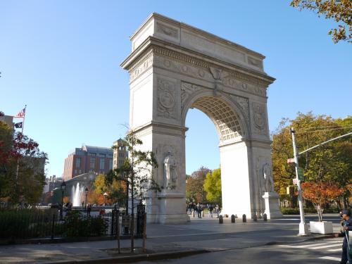 ワシントン・スクエア・パーク<br />ユニオン・スクエアからアラモに寄って、徒歩20分足らず。