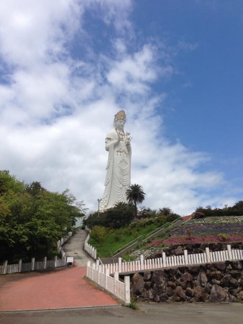 小豆島大観音。登りませんでしたが、登れるようです。