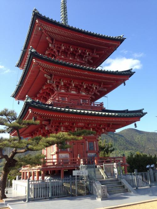 土庄に戻り、西光寺へ。この周辺を散策。