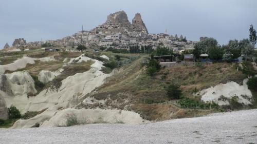 ウチヒサル城が見えます。