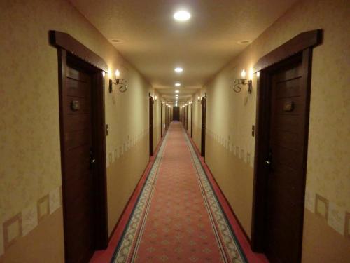 3階の廊下(写真)を通って客室に向かう。<br />