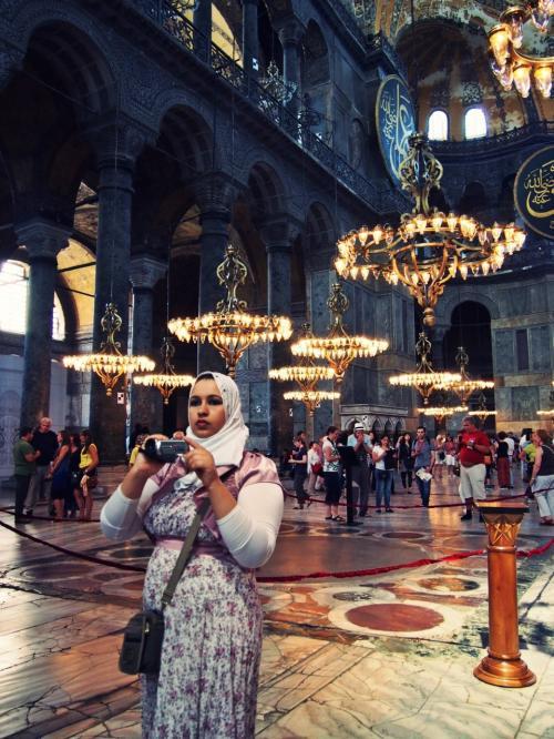 ここだけ見ると大聖堂というより、ビザンチン建築のモスクといった感じ?<br /><br /><br /><br />