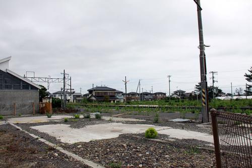 翌朝、7時に伊達の「カッパ王国」を出発して、一般道であぶくま川沿いを走り、角田を経由して山元町へ。<br /><br /><br />自分が中学の頃まで、親戚が住んでおり夏休みには特急「ひばり」に乗って遊びに来たものです。<br />ED75牽引の旧型客車で降り立った、山下駅は津波で流失。