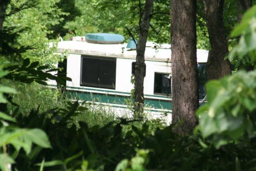 ガーデン奥の森林の中には<br />ドラマ「風のガーデン」で使われていた<br />バス?(余命いくばくもない主人公が使用)も<br />遠目にですが<br />そのまま置かれていた。