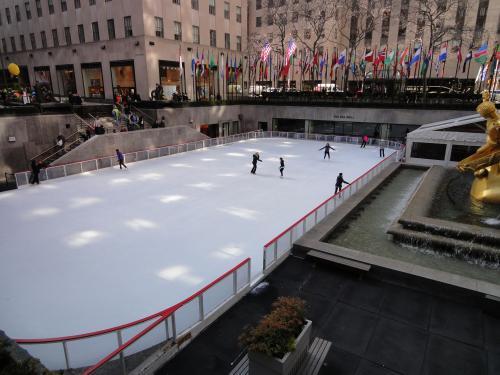 ロックフェラーセンター前のスケートリンク