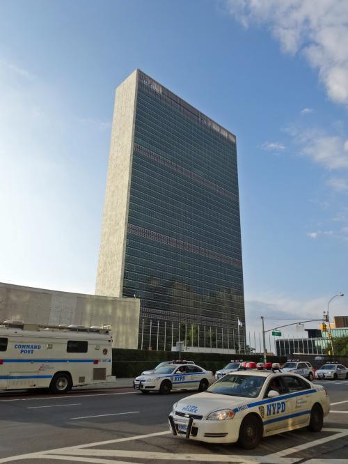 【国連本部】<br /><br />さすが国連だけあって,朝からポリスがいっぱい<br /><br />職質されるかと思った!<br /><br />