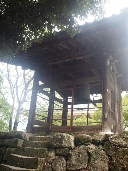 日本最古の梵鐘の1つと考えられています。