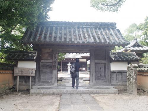 江戸時代に再興され、現在の建物は、その時に新造されたもののようです。