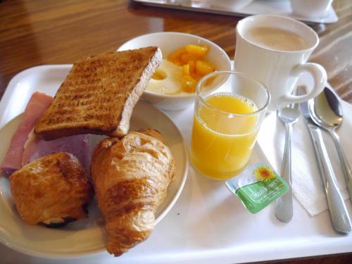 2日目スタート<br /><br />メニューは、4日間同じラインナップです。<br />飲み物は充実しており 美味しいコーヒーやカフェモカいただけました。