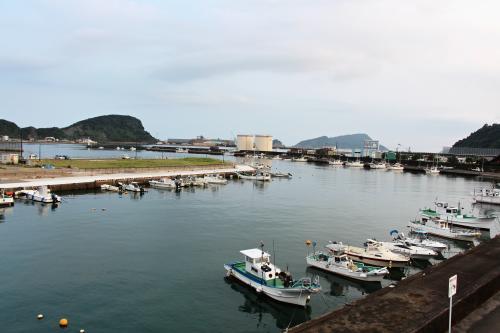 [油津港]<br /><br />古くは「油之津」と呼ばれており、江戸〜昭和期には飫肥杉の積出港、マグロ・カツオの漁業基地として有名。<br /><br />