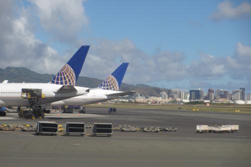 ホノルル空港に到着<br /><br />日本からは早朝到着だが<br />アメリカからは午後到着<br /><br />これならHGVCの4時チェックインでも<br />ちょうど良い時間だ