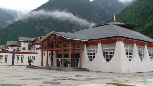 こちらはチベットショー等行うホール。