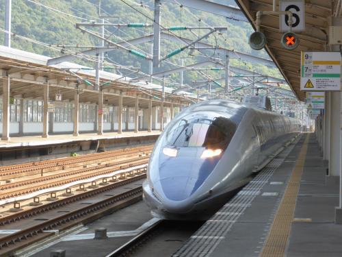 こだまで広島まで。<br />こだまは500系の車両が使われていますが、やっぱりかっこいいですね。
