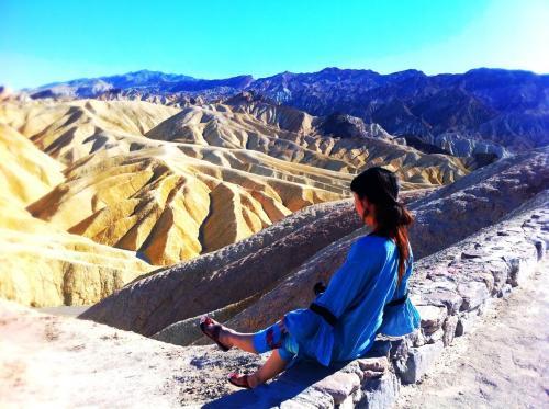デスバレーへ!<br />凸凹した砂山の不思議な景色♪<br />
