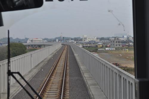 那珂川を渡ります。