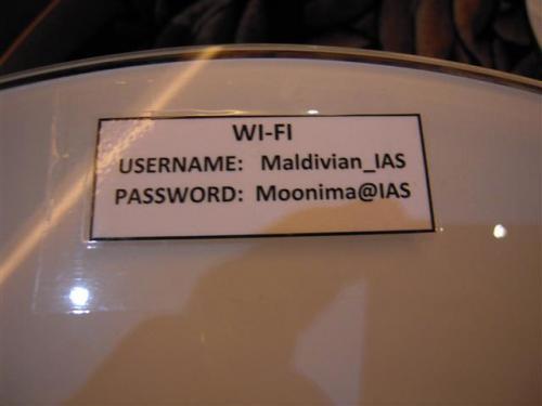 Wifi無料。テーブルの上にUsername&Password情報があります。