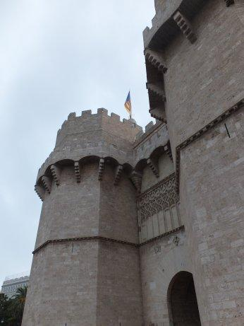 城門の一つ「セラーノ門」<br />バレンシア市街散策の出発点となりました。