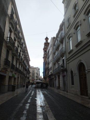 市街の建物を見ながらの散策・・・。