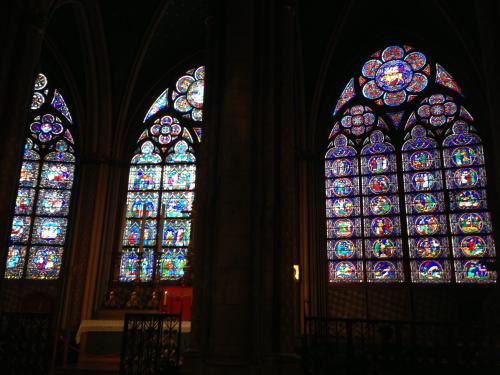 ノートルダム大聖堂 Cathedrale notre-Dame de Paris<br /><br />ステンドグラスがとても美しいです!!