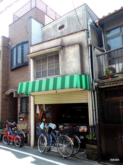 阪堺電車の松田町駅付近から天下茶屋駅に戻る途中の街並みです。