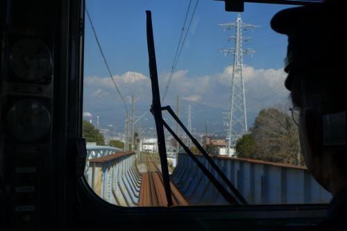 岳南電車からは路線の殆ど全てからこのように富士山を望むことができる。<br />富士を楽しむ一つの方法だね。