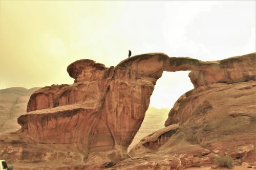 最後にもう一度振り返り、石橋の姿を眺める。