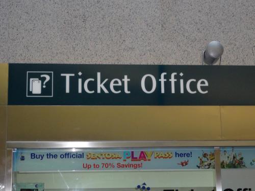 チケットオフィスでイージー・リンク・カードを購入 SGD12.00