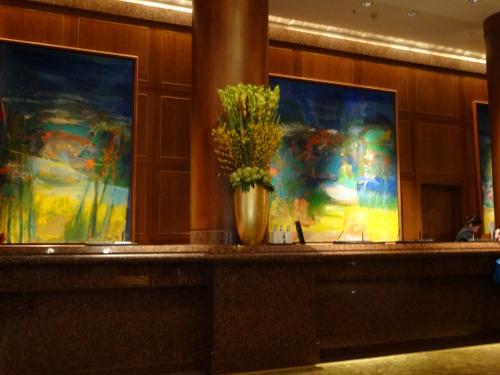 今夜のお宿は、コンラッド・センテニアル・シンガポール<br />夕食でチリクラブが食べたくて、ホテルの方に予約を入れてもらいました