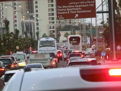 ドバイ・モールからだとホテル、フェアモント・ザ・パームまでは普段は20分位なのですが、車のパンクと渋滞のおかげで2時間近く掛かりました。<br /><br />