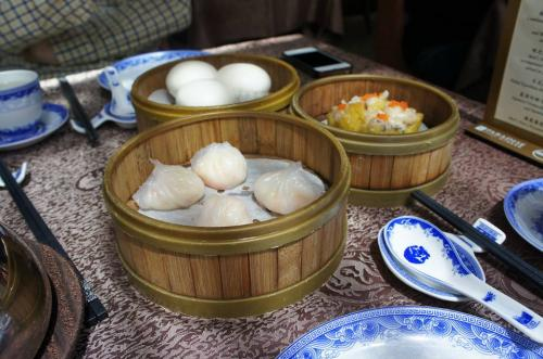 お昼は、シンガポール人のお友達と街中で合流して、Taste Paradiseでランチ!ハワイ留学時代から実に7年振りの再会!!<br /><br />久しぶりの会話に美味しい中華で2時間も滞在してしまいました〜。