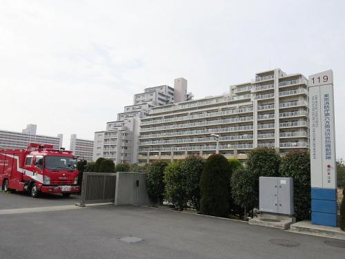 東京消防庁に5隊ある消防救助機動部隊のひとつ、足立区新田にある東京消防庁第六消防方面本部消防救助機動部隊(6HR)。救助隊員60名による震災及び大規模水害対応に特化した編成となっています。もちろん通常災害にも対応します。