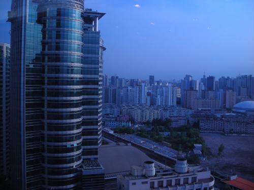9/6上海に到着後、午後から会議に参加。会議場のビルからの眺め。