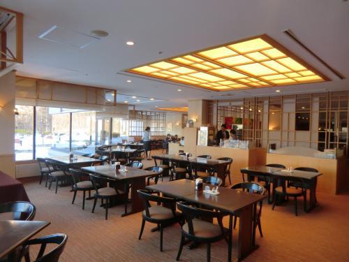 朝8:30頃、レストラン(写真)に朝食を食べに行く。