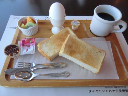 朝食メニューは3種類ある。軽めの「モーニングセット」(写真)840円(税込・サ別)以下、同様。