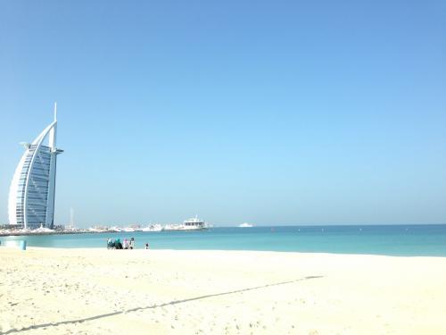 2月25日(火)<br />今日はドバイ市内観光を予約してます!<br />Alan1.net の日本語ツアー  大人AED 148.00  子供AED 70.30<br />