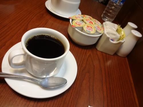 コーヒーも頼みました。