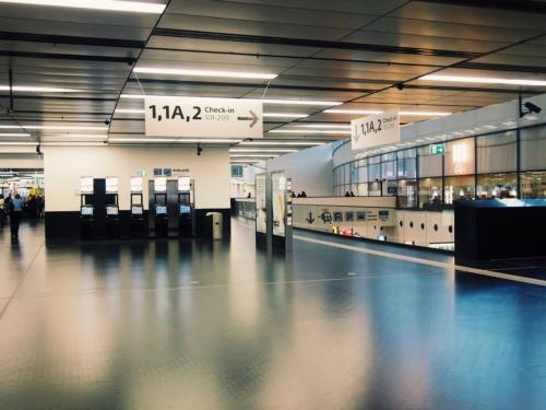 ウィーンの空港はシンプルでオシャレ