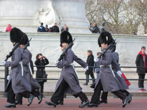結局よくわからなかった、バッキンガム宮殿の衛兵交代。<br />ま、前にも見たからいいさ。