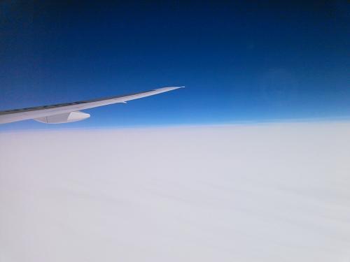 ほぼ満員になったNH1171便は8:55にドアクローズとなりプッシュバックを開始しました。<br /><br />滑走路は05ですので国際線ターミナルからはちょっと距離があります。<br />ラッシュ時間と言うこともあり離陸したのは9:21でしたので20分以上も掛かってしまいました。<br /><br />フライトマップを見ていると東京湾を南下して三浦半島を横切るSIDのようです。