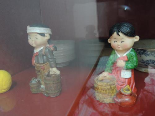 部屋に飾ってあったお人形、面白かったので撮ってみました。