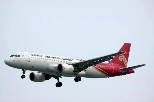 香港はカイタック空港時代に何回か撮影に来ました。<br />新空港になってあのスリリングな着陸が見られなくなったのは残念です。