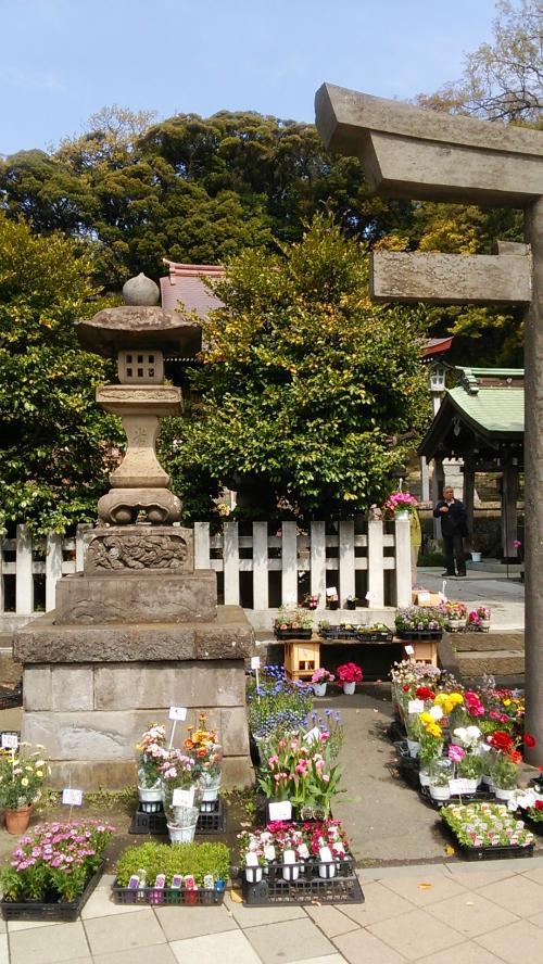 国道16号線沿いの瀬戸神社