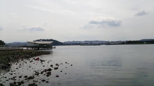 八景島から金沢八景方面を望む