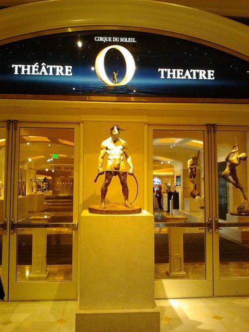 オーのショーはベラージオホテルで行われて<br /><br />ここのホテルは噴水ショーで有名