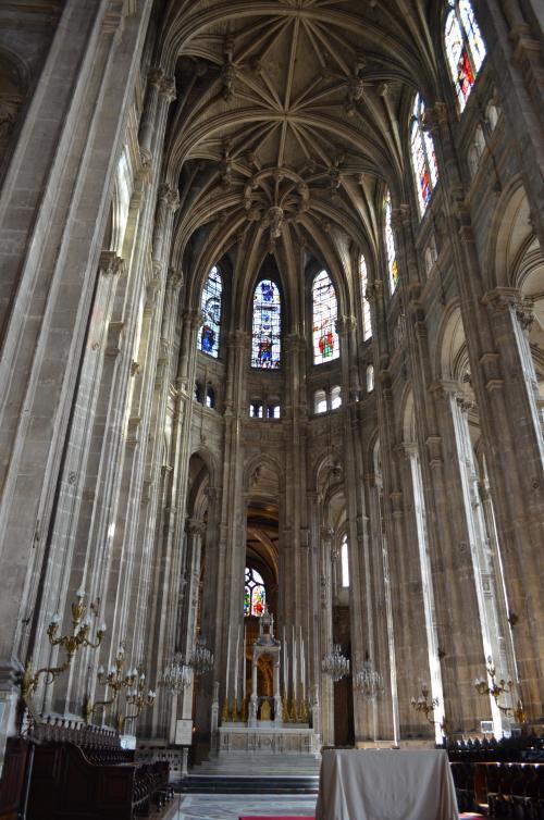 サン・トゥスタシュ教会の内部。有名なのかわかりませんがとても美しかったです。