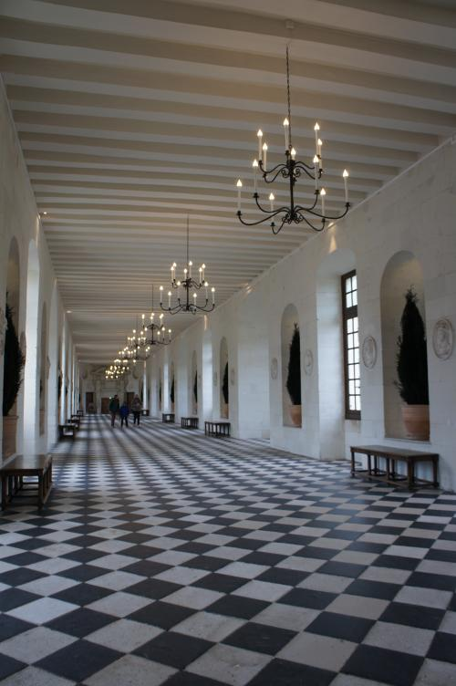 こちらは川にかかっている部分、城内の長い廊下です。(一番上の階)