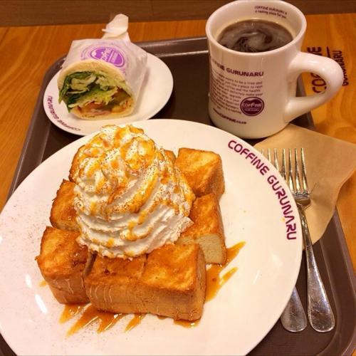 3日目の朝は、ホテル近くのカフェに。<br /><br />毎回、気になっていたモリモリホイップのトーストを、ようやく食べる事が、出来ました。うーん、思ったより、あっさり。