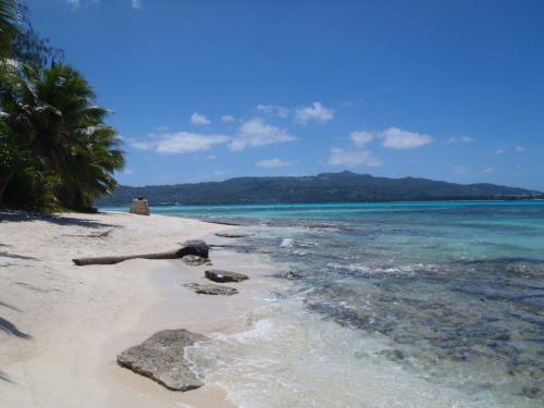 マニャガハ島から観るサイパン島です。