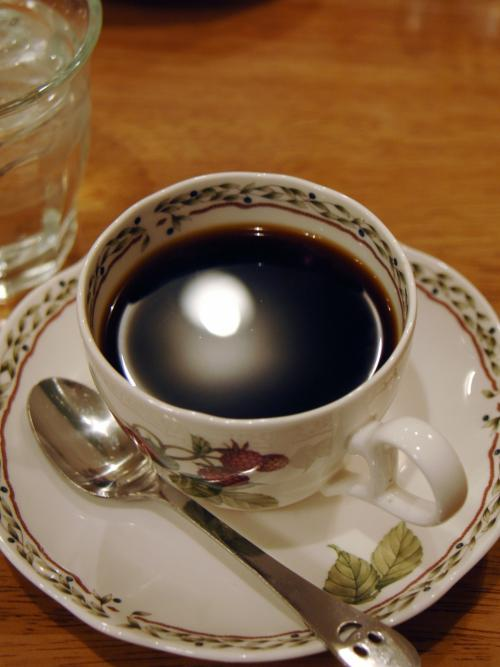 ホッとしてホットコーヒー。